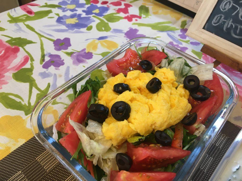 料理教室マンツーマンスクランブルエッグサラダ